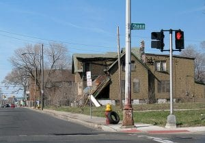 dilapidated Detroit building 2009