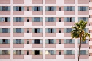 Rental registry: Image shows apartment building.